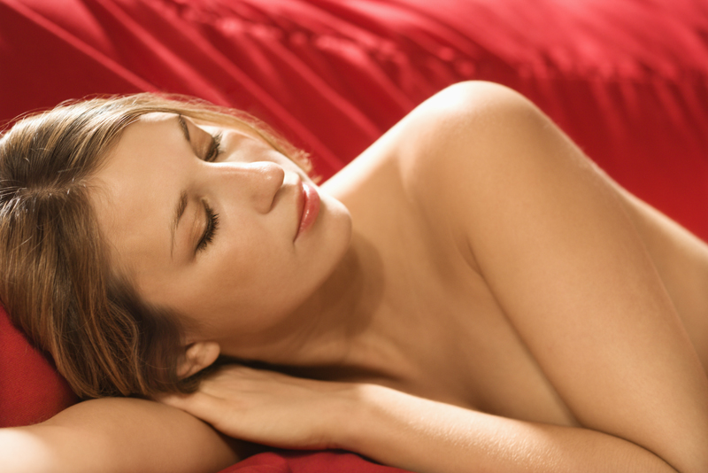 10 Reasons why sleeping naked is healthier than PJ's or Nighties